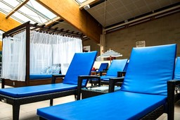 Lehátko VIP - Paradise Boubble Lounge
